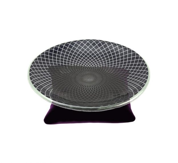 A Small Macaroons Plate. A Throne for Your Macaroons by Anna Vasily. - 3/4 view