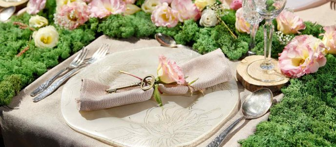 wedding ideas - floral table setting, pastel plate, napkin ring