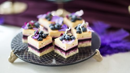 Elegant flat cake plates for high tea and afternoon tea parties featuring the blue cake stand Pauli by Anna Vasily.